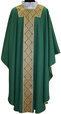 Chasuble w/Gold Band and Neck Quadratic